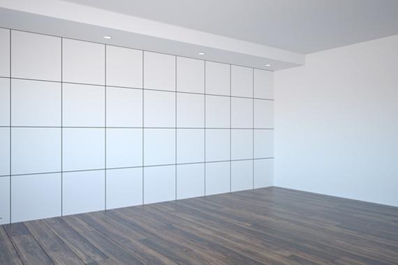 Iscrtane linije na zidu za postavljanje panela